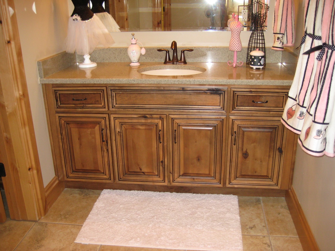 Tuscany Knotty Maple Natural Onyx